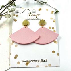 LEMPI-korvakorut, Kolmio (nappi, vaaleanpunainen)