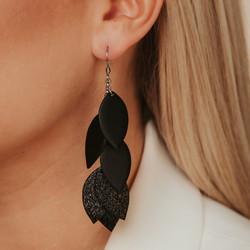 LEMPI-korvakorut, Lehdellinen tulppaani (musta, musta glitter)