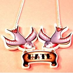 Kaulakoru, Swallows