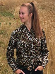 Leopardikuviollinen paitapusero.