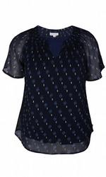 Zhenzi tummansininen paita pienellä V-pääntiellä.