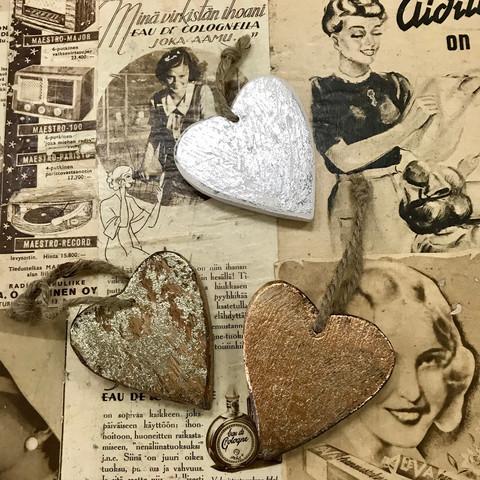 Puinen sydän, kulunut maalipinta