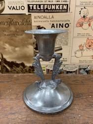 Vanha kaunis kynttilänjalka tinaa