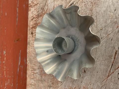 Pieni kynttilänjalka sinkkiä, Chic Antique