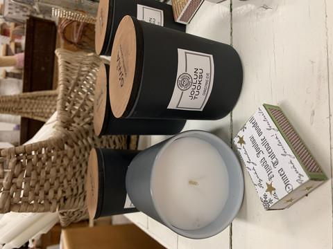 Osmian laadukas tuoksukynttilä puukannella: joulutuoksu