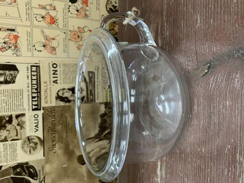 Vanha lasinen potta