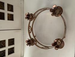 Kuparipinnoitteinen pyöreä kynttilänjalka neljälle kynttilälle