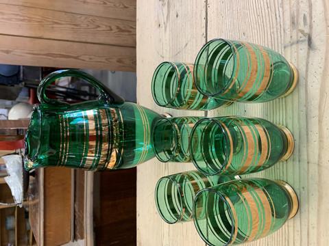 Kauniin vihreä lasikaadin ja kuusi lasia, vanhat mutta käyttämättömät