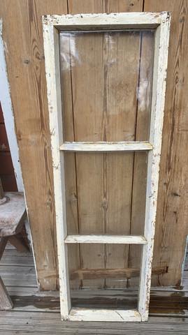 Vanha ruutuikkuna, kolmiruutuinen vanha ikkuna, alkuperäiset lasit