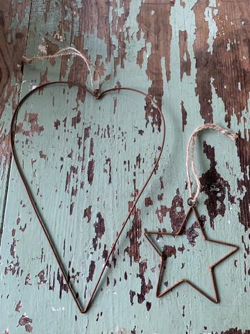 Yksinkertaisen kaunis rustiikkinen metallisydän, Jean d'Arc Living,