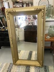 Suuri kultakehyksinen peili antiikkia