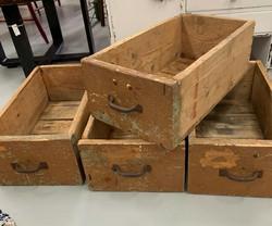 Vanha, kaupan myyntitiskin laatikko