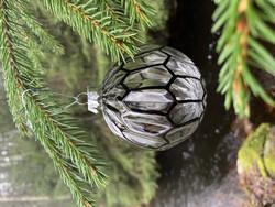 Mustakuvioinen joulupallo, kuusenkoriste