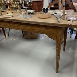 Vanha ootrattu suuri pöytä talonpoikaisantiikkia