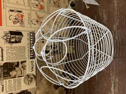 Tasapohjainen, valkoinen metalliverkkokori by Weiste