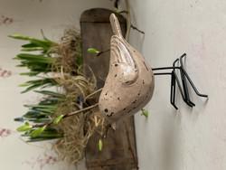 Keväinen lintu puuta metallisin jaloin Chic Antiquelta