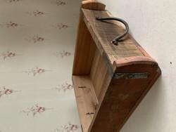 Suuri puinen tiilimuotti, metalliset hantaakit päissä, Chick Antique
