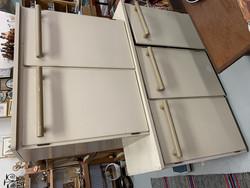 Kaksi ja kolmioviset keittiönkaapit 40-50 -luvulta