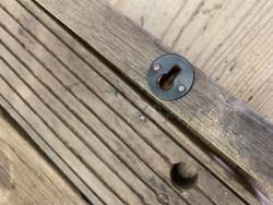 Rouhean rustiikkinen hyllylauta Chic Antiquelta laivan vanhoista rappusista