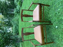 Tukeva, käsinojallinen tuoli rajan takaa menetetystä Karjalasta