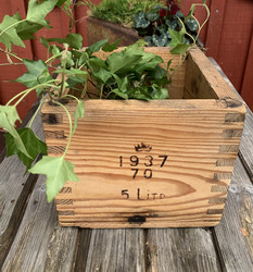 Hyväkuntoinen, vanha perunakappa, puinen kappa, tarkastusleima 1937