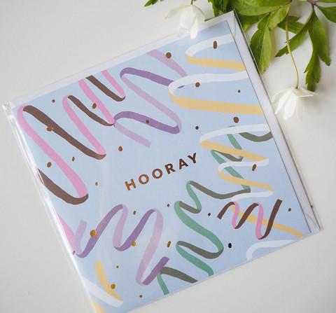 Hooray-Postikortti, 2-osainen