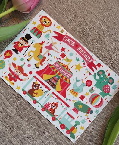 Sirkus-postikortti jossa tarroja
