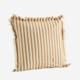 Tyynynpäällinen hapsureunoilla, hunaja raita. 50x50