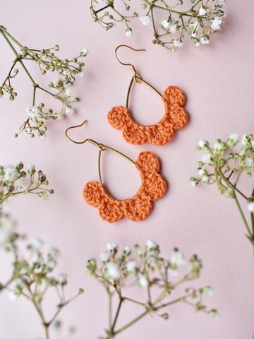 Hertta-korvakorut. Oranssi
