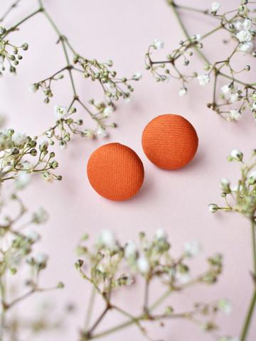 Nappis-korvakorut. Väri oranssi