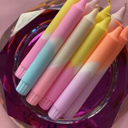 Dip dye-kruunukynttilä, Nro 22. Oranssi-liila