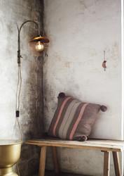 Striped tyynynpäällinen tasseleilla. Brown, greige. 50 x 50 cm.TULOSSA