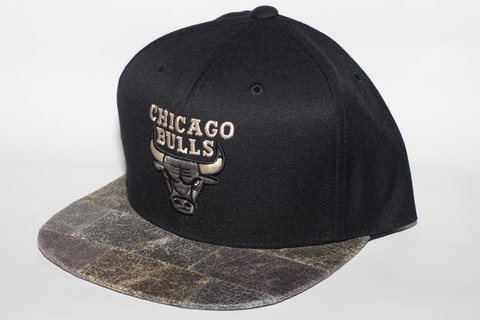 M&N Petrified Wood Chicago Bulls SNAPBACK OSFA