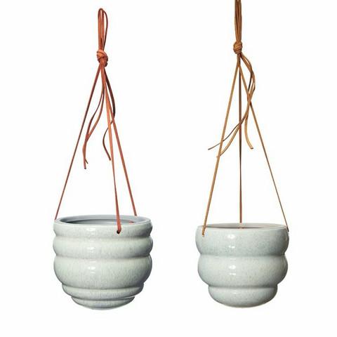 Hanging pot Bumble