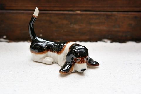 Basset hound miniatyyri (makaava)