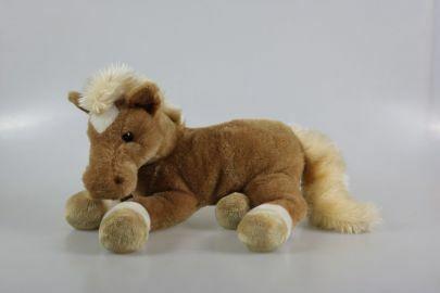 Makaava ruskea iso hevonen
