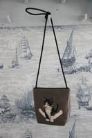 Kissalaukku  joogaava kissa gobeliinista