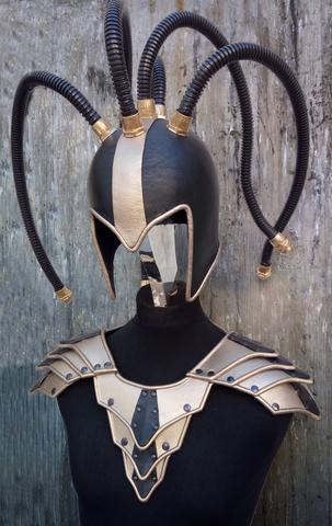 Kyber & Steampunk tyylinen koristeellinen kypärä kaapeli tyylisin lonkeroin