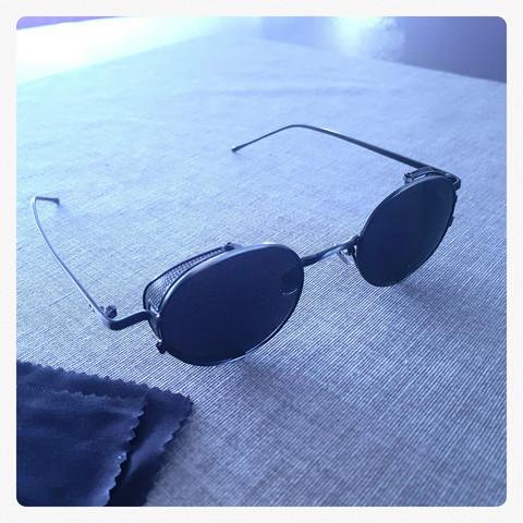 Erikoismallin aurinkolasit Vintage tyylillä