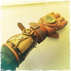 Deluxe SteamPunk Compassa Glove Bracer