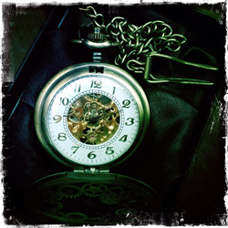 Big Mechanical Pocket Watch with Steampunk themed patterns