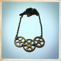SteamPunk Neclace with 3 gears decor.