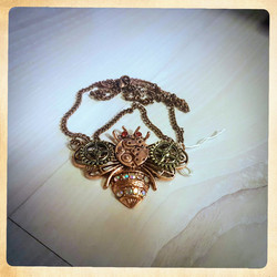Necklace, Steampunk style Bee
