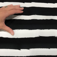 Trikoo: Raita, musta - valkoinen