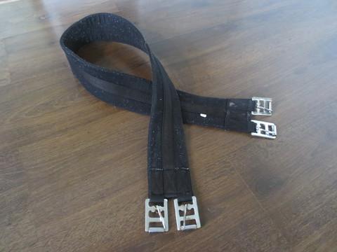 Musta kankainen satulavyö 130 cm