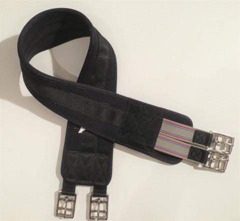 Musta pehmeä neopreeninen satulavyö joustoilla 105 cm