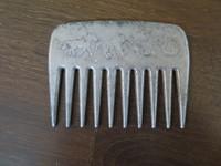 Metallinen hopean värinen harjakampa  1 kpl