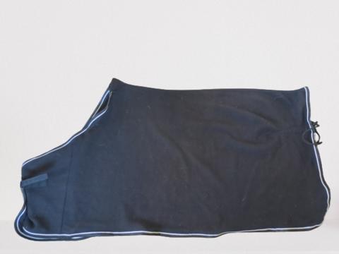 Musta fleeceloimi valkoisilla kanteilla 130 cm