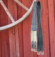 Nahkainen, hieman muotoiltu satulavyö joustolla, 120 cm