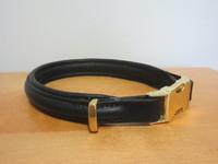 Upea musta panta kultaisella pikalukolla, pituus 44 cm